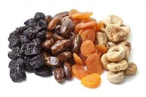 сухофрукты (инжир, финики, курога, чернослив)