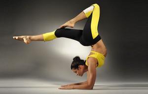 йога упражнение